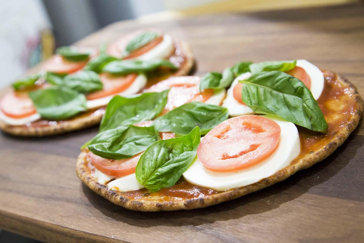 Easy Margherita Pizza